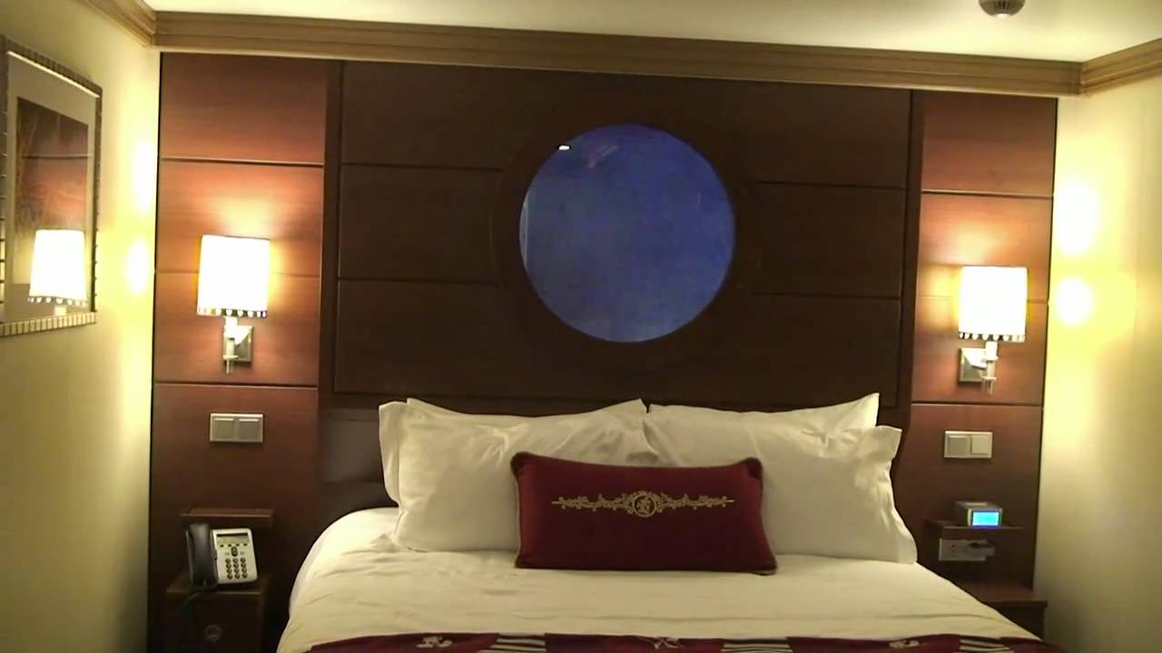 Deluxe Inside Stateroom With Magical Porthole, Disney
