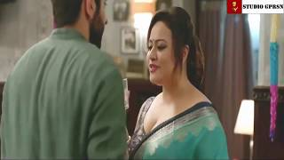 Hot aunty seduce young man. What is the name of this actress comment pls.
