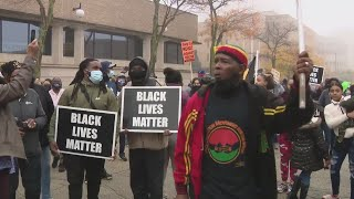 Black Lives Matter activists rally in Waukegan after man shot to death by police