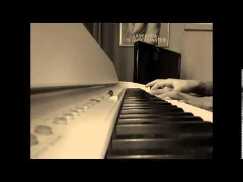 Christina Aguilera - Bound To You ( Version piano )