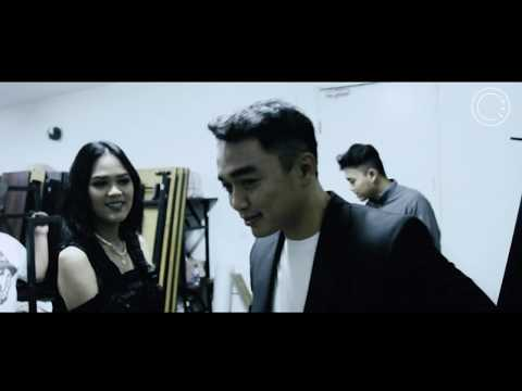 Dipha Barus' Journey: 2018 MLG - SBY - JKT // Good Times & How To Deal With Crashed USB Devices!