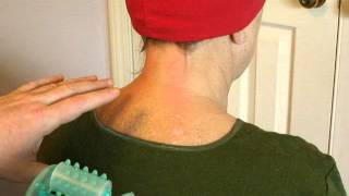 Как вылечить шейный остеохондроз дома, самому(Показывается простая процедура лечение шейного остеохондроза, которую можно делать дома при помощи многои..., 2012-12-10T19:04:00.000Z)