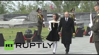 Armenia: Putin joins Armenian leader for 100th mass-killings anniversary