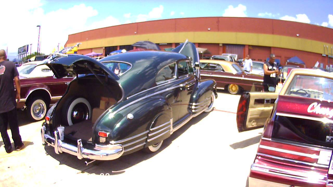 Lowrider Show San Antonio Off Of Th Street And Commerce YouTube - Traders village san antonio car show
