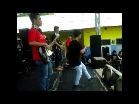 Substreet - Labil (LIVE) Mp3