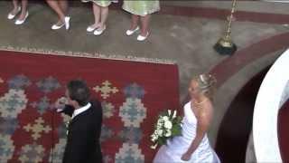 Utan dina andetag Brudgummen Markus Johansson överraskar på bröllopet