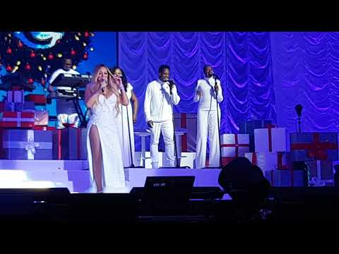 Mariah Carey - Introducing band & background singers pt1