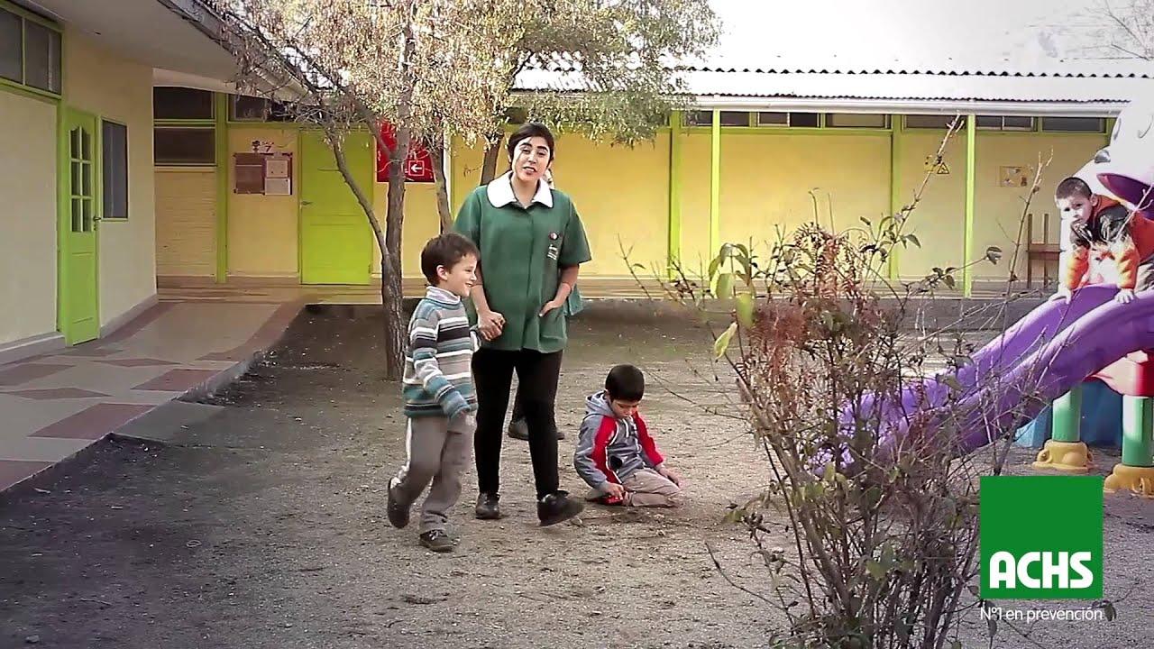Trabajadores de Jardines Infantiles: consejos para evitar caídas.