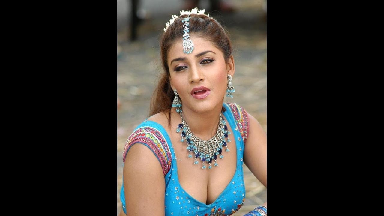 Hot And Spicy South Indian Actress Kousha Photos