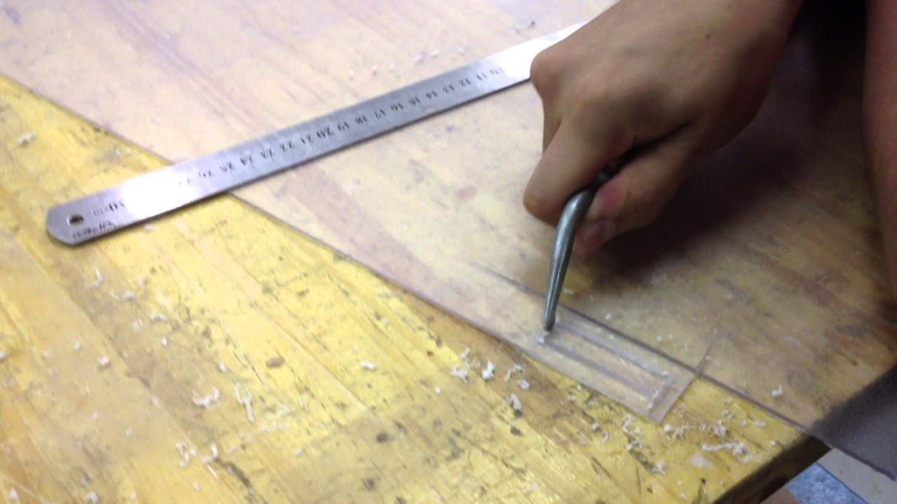 Tangima 12 cortando chapa de poliestireno ps com o for Placas de poliestireno para techos precios