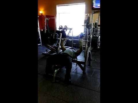 Strongest Man n Newark N.J 405lb