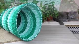 корзина из газетных трубочек трех цветов/Basket of newspaper tubes in three colors