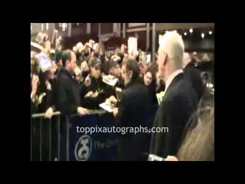 "Al Pacino - Signing Autographs at ""Merchant of Venice"" Stage Door on Broadway"