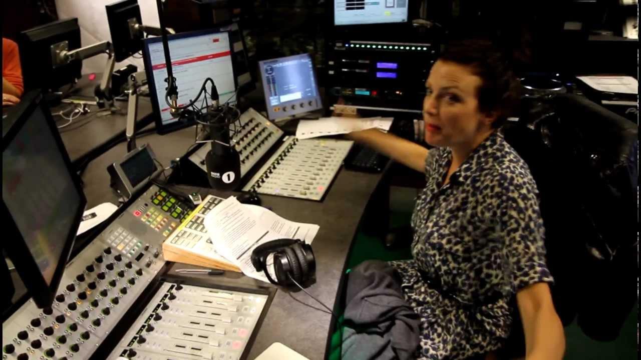 Radio 1 News: Annie Mac Explores The New BBC Radio 1 Studios!