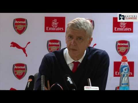 Wenger: Arsenal need help to finish top four