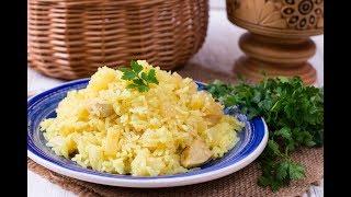 Куриное филе, жаренное с рисом и ананасами