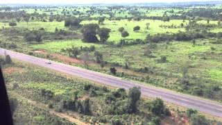 Baixar Sobrevoando estrada que liga Luis Alves a São Miguel do Araguaia - Cirrus SR20