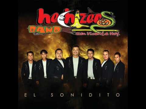 Hechizeros Band - Ordeñando La Vaca