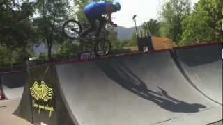Victor Muñoz, Vicenzo Luque & Victor Torres / SHARK energy BMX RIDERS