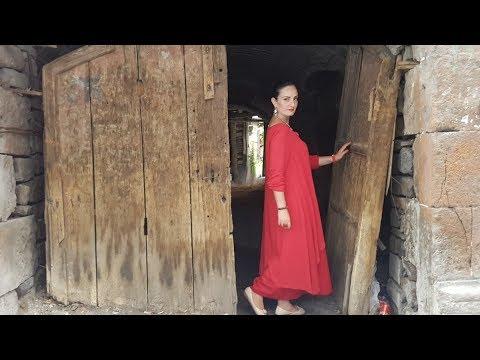 Гламурный Влог из Праздничного Еревана - Выгуливаю Новое Платье:)
