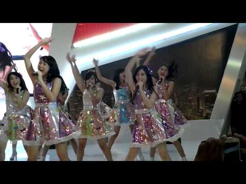 JKT48 - Manatsu No Sounds Good at Gandaria City