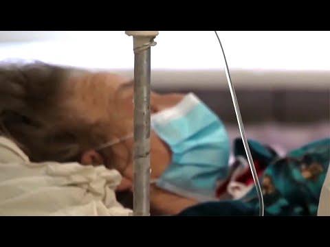 Едва ли не критической называют ситуацию с коронавирусом на Украине.