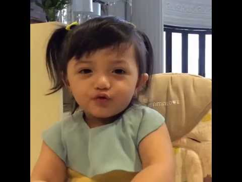 VIDEO LUCU ARSY LAGI NYANYI HAPPY BIRTHDAY