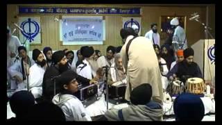 Bhai Manpreet Singh and Bibi Harjeet Kaur kirtan - Manchester Smagam