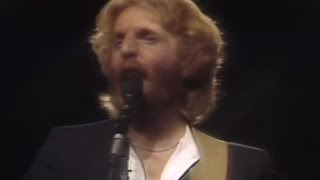 "Andrew Gold - ""Kiss This One Goodbye"" (Official Music Video)"