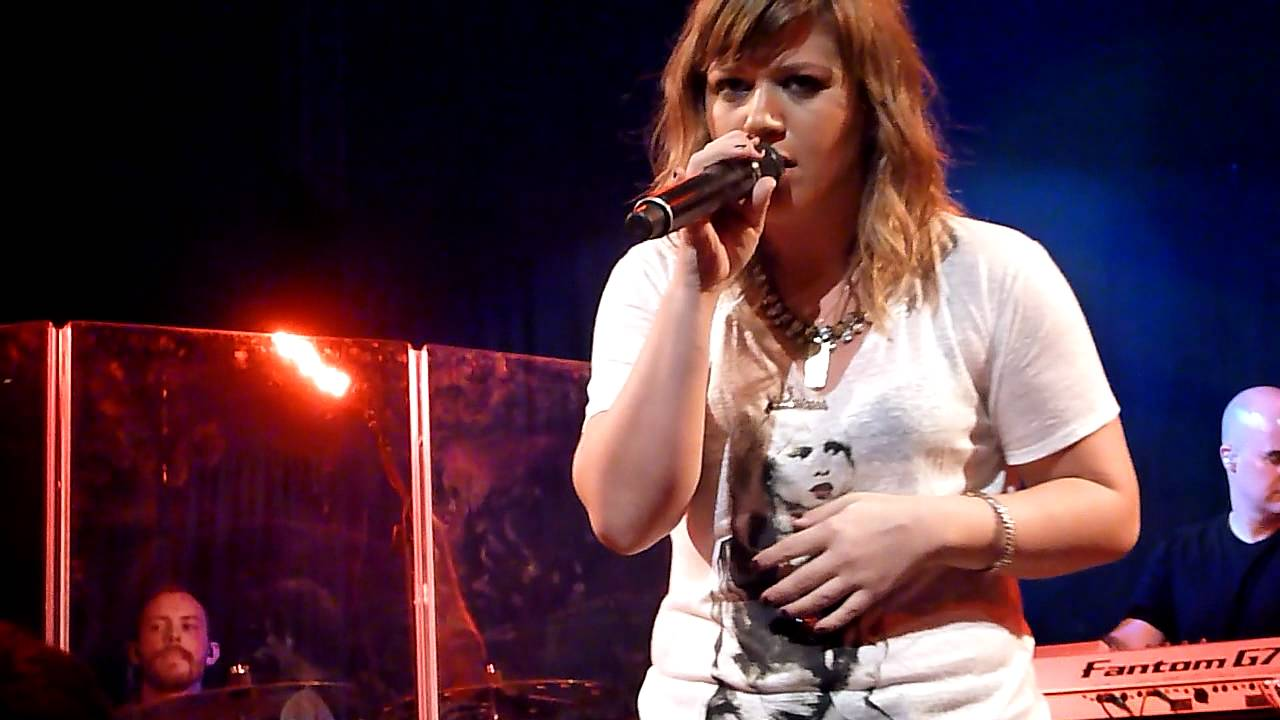 Download Kelly Clarkson- Already Gone (The Troubadour)