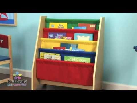 Estanter a para ni os en madera de colores en eurekakids for Muebles para preescolar