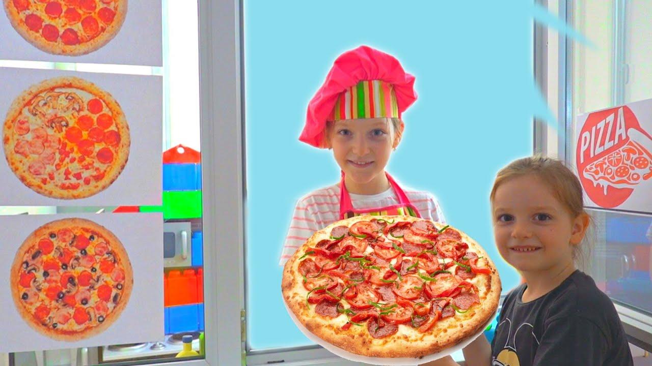 Sofia si Sara si Pizza Drive Restaurant