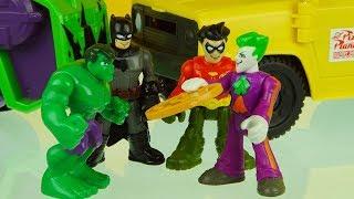 JOKER PIZZA DELIVERY ! BATMAN & ROBIN with HULK superhero toys