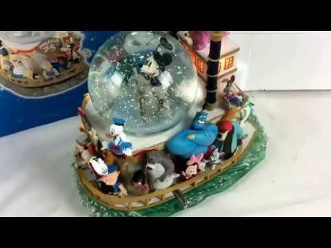 New Disney World Mickey's 75th Anniversary Steamboat Musical Lighted Snow Globe