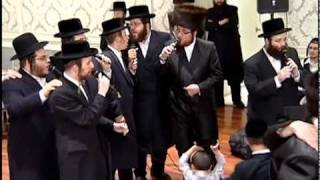 Shlome Taussig and Shira Choir with the Belza Chassidim