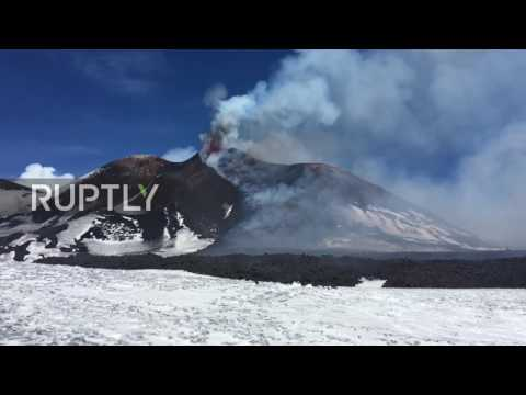 Italy: Mount Etna continues to spit ash and smoke