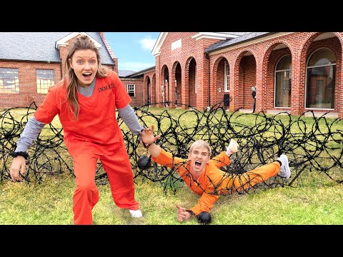 TRY to ESCAPE GAME MASTER PRISON!! (Backyard Obstacle Course Challenge) |