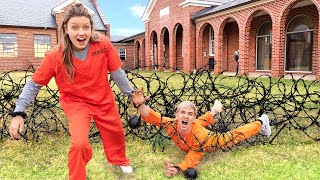 try-to-escape-game-master-prison-backyard-obstacle-course-challenge