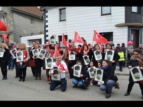 Belçika'da Türk Olmayan Köyde Türk Karnaval Şenliği Başladı