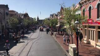 omnibus-at-disneyland-park-hub-to-town-square-ride-pov-from-upper-level