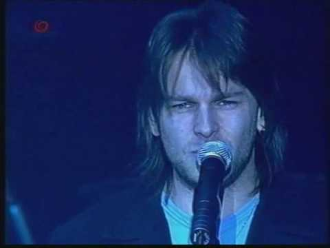 Genesis - No Son Of Mine (Live)