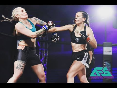 British Female Mma Fighter Destroys Her Opponent In 60 Seconds