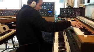 Soundcheck analog keys : Clavinet D6, Rhodes MKI, Minimoog D, Modern analog: SynthR3, Retro-One ...