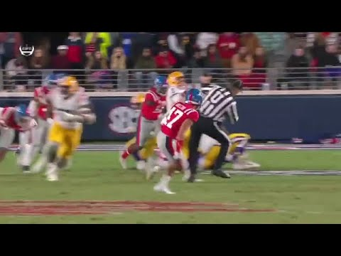 The Pat And Aaron Show - VIDEO : LSU's Joe Burrow Runs Over Ref Who Gets In His Way