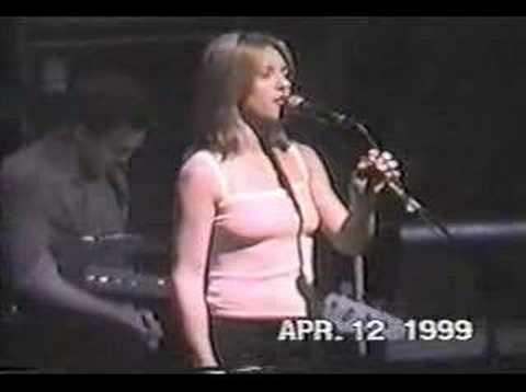 Liz Phair - Dance of the Seven Veils Live 04/12/99