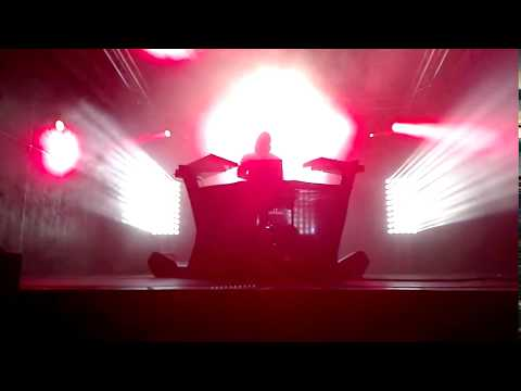 Perturbator - Humans Are Such Easy Prey (live @ B90, Gdansk) mp3