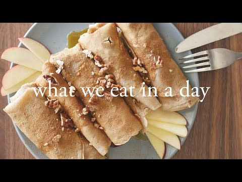 What I Eat In A Day with iHerb | Vegan, GF and Holiday Inspired