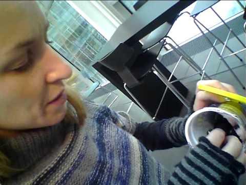 Sonja Richter taber småkagerne