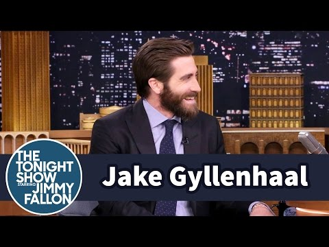 Jake Gyllenhaal and Ryan Reynolds Do Not Have a Bromance fragman