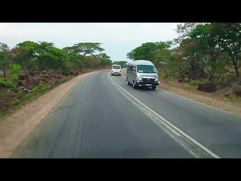 Driving through the great dyke (Mapinga)